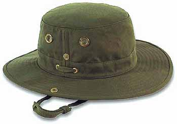 how to pack a tilley hat